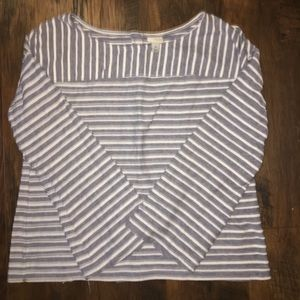 Flared sleeve size M top button back